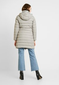 Tommy Jeans - ESSENTIAL HOODED COAT - Donsjas - mourning dove - 3