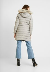 Tommy Jeans - ESSENTIAL HOODED COAT - Donsjas - mourning dove - 2