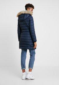 Tommy Jeans - ESSENTIAL HOODED COAT - Abrigo de plumas - black iris - 2