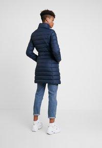 Tommy Jeans - ESSENTIAL HOODED COAT - Abrigo de plumas - black iris - 4