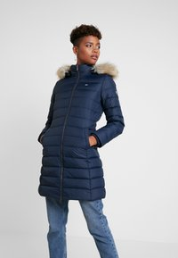 Tommy Jeans - ESSENTIAL HOODED COAT - Abrigo de plumas - black iris - 0
