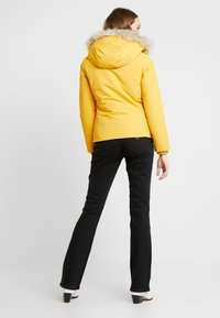 Tommy Jeans - HOODED JACKET - Chaqueta de plumas - golden glow - 2