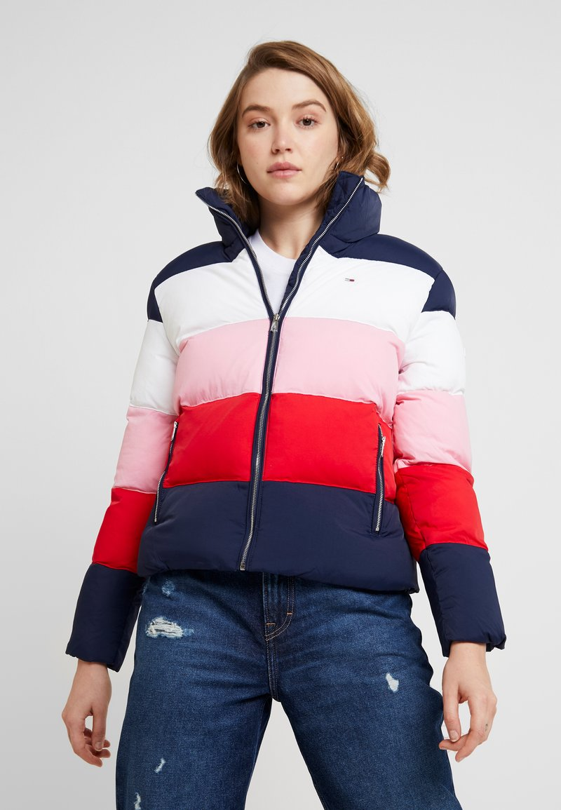 Tommy Jeans - COLORBLOCK - Chaqueta de invierno - black iris/multi