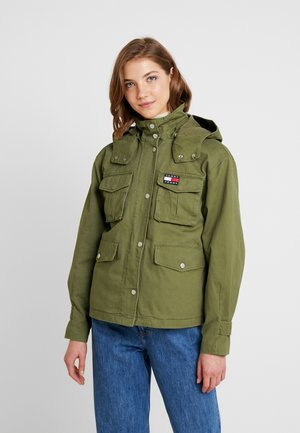 PLEAT DETAIL SLEEVE - Leichte Jacke - martini olive