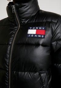 Tommy Jeans - JACKET - Bunda zprachového peří - black - 5