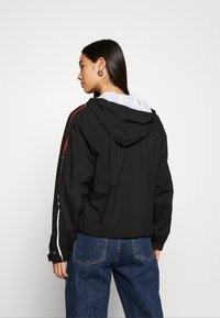 Tommy Jeans - BRANDED SLEEVES - Lett jakke - black - 2