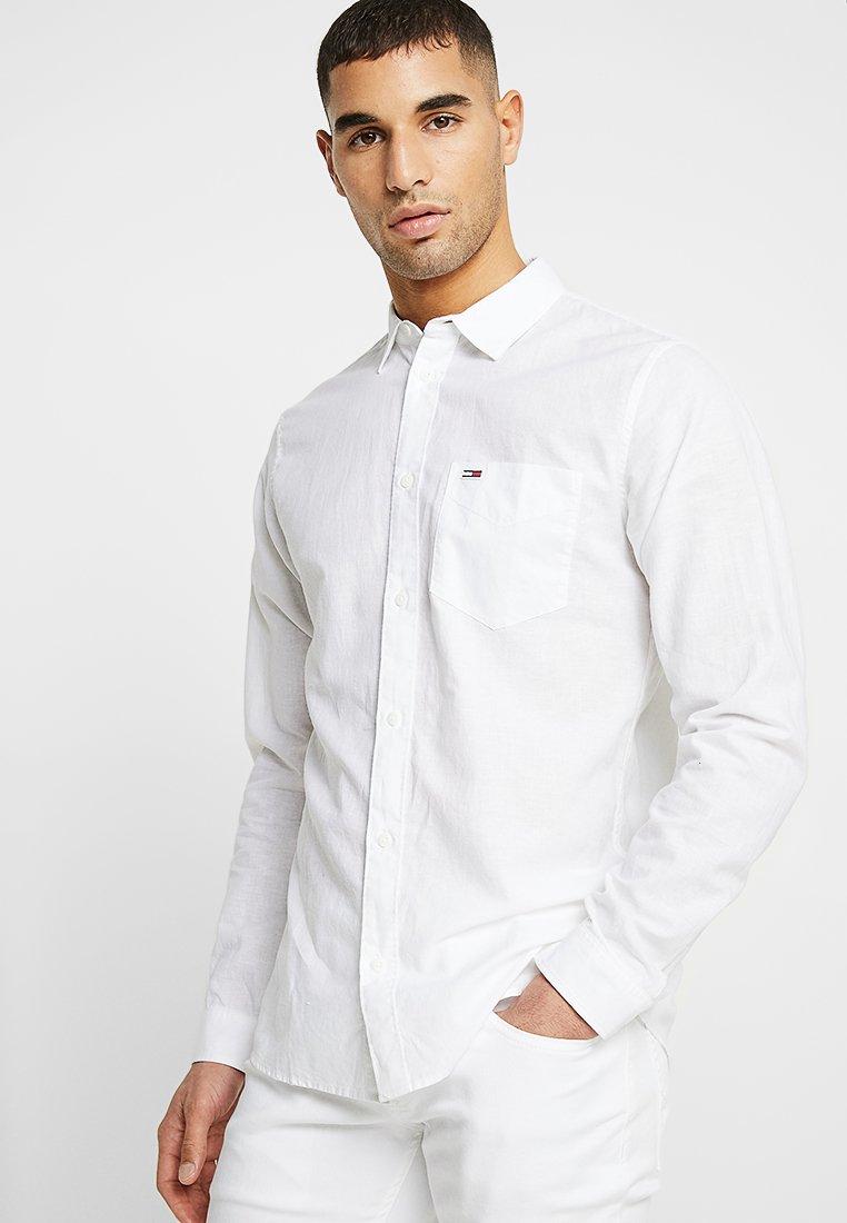 Tommy Jeans - LINEN  - Hemd - white