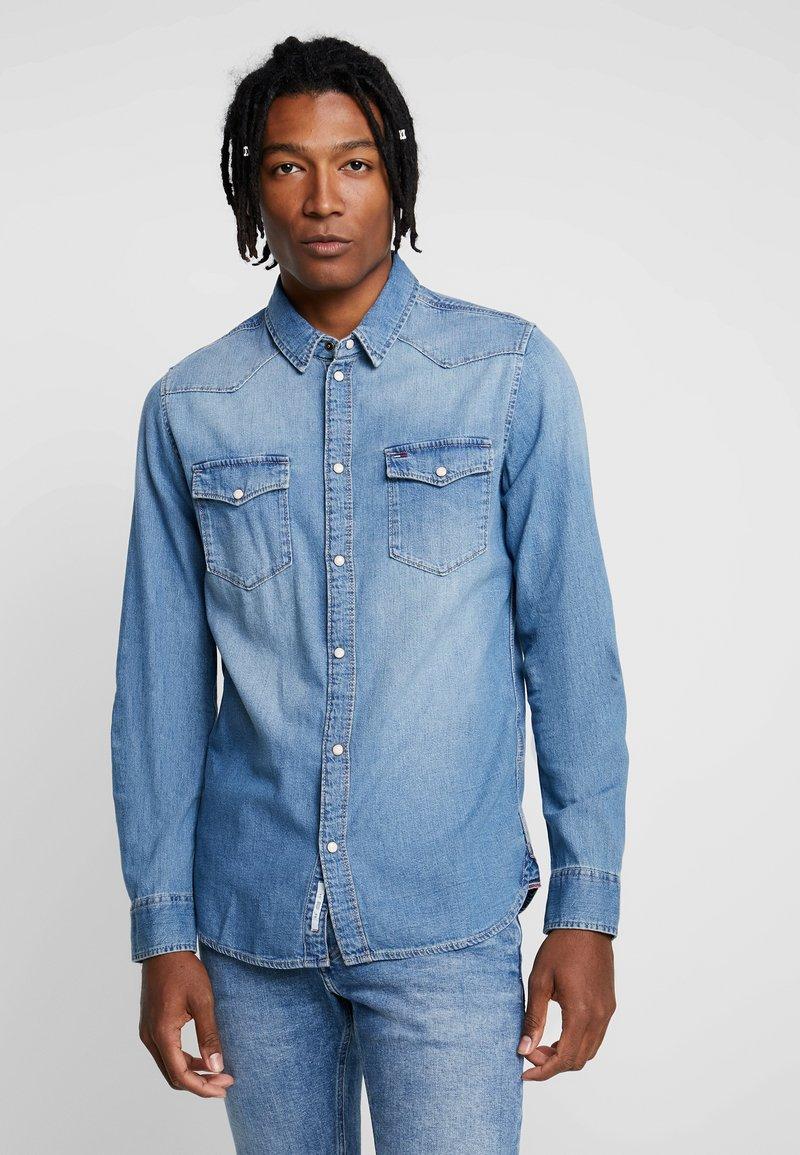 Tommy Jeans - WESTERN - Shirt - denim