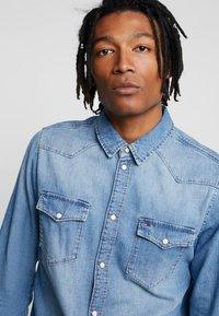 Tommy Jeans - WESTERN - Shirt - denim - 3