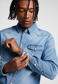 Tommy Jeans - WESTERN - Shirt - denim - 5