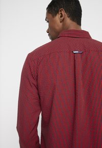 Tommy Jeans - GINGHAM SHIRT - Koszula - red - 4