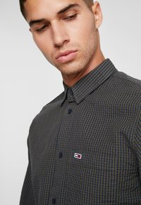 Tommy Jeans - GINGHAM SHIRT - Skjorta - green - 6