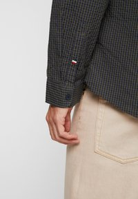 Tommy Jeans - GINGHAM SHIRT - Skjorta - green - 4