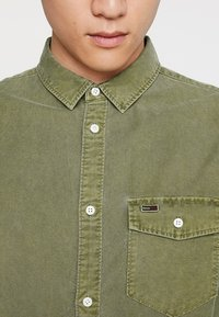 Tommy Jeans - WASHED OXFORD - Chemise - green - 3