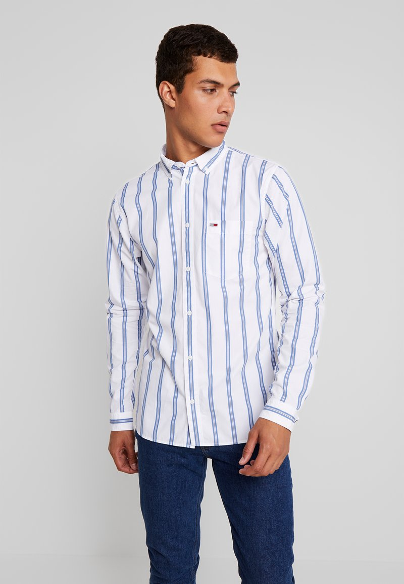 Tommy Jeans - CLASSICS POPLIN STRIPE REGULAR FIT - Skjorter - classic white/multi