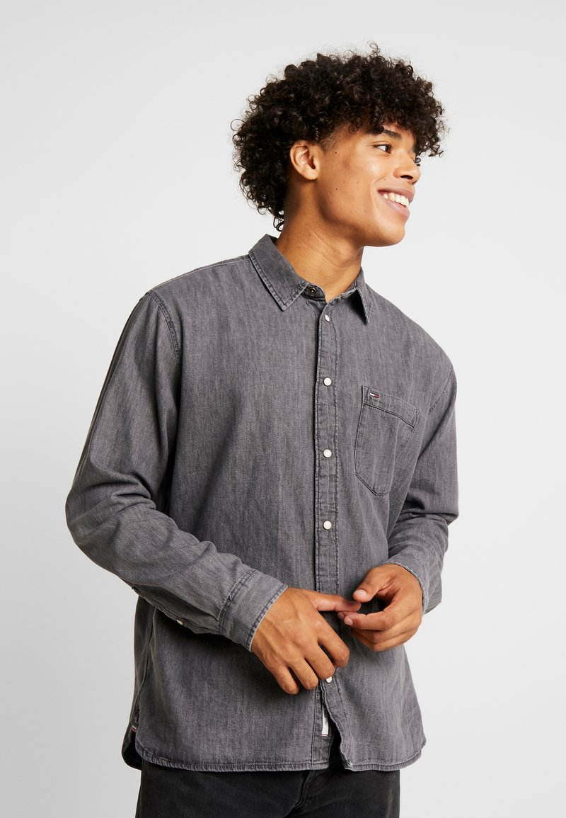 Tommy Jeans - REGULAR - Shirt - black denim