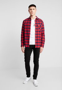 Tommy Jeans - CHECK SHIRT - Camisa - flame scarlet - 1