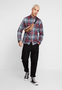 Tommy Jeans - ESSENTIAL - Chemise - burgundy - 1