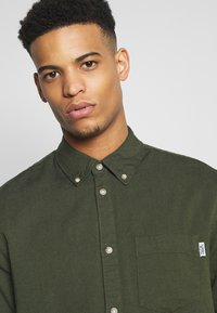 Tommy Jeans - Shirt - cypress - 4