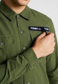 Tommy Jeans - OVERSHIRT - Košile - cypress - 4