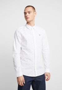 Tommy Jeans - COLORED DOBBY POPLIN  - Overhemd - classic white/multi-coloured - 0