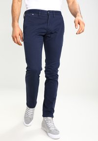 Tommy Jeans - SLIM FERRY - Chinos - navy blazer - 0