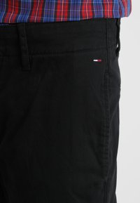 Tommy Jeans - ESSENTIAL - Chino - black