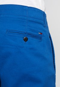 Tommy Jeans - ESSENTIAL SLIM - Chinosy - blue - 5