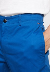 Tommy Jeans - ESSENTIAL SLIM - Chinosy - blue - 3
