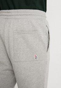 Tommy Jeans - CLASSICS - Pantaloni sportivi - grey - 5