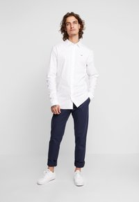 Tommy Jeans - SCANTON PANT - Chinot - blue - 1