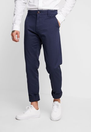 SCANTON PANT - Chinosy - blue