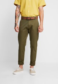Tommy Jeans - SCANTON PANT - Chinosy - green - 3