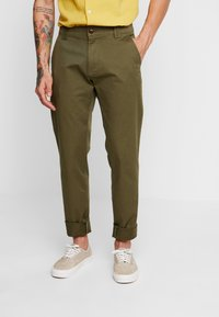 Tommy Jeans - SCANTON PANT - Chinosy - green - 0