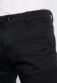 Tommy Jeans - SCANTON PANT - Chino kalhoty - black - 3