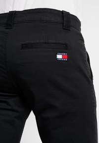 Tommy Jeans - SCANTON PANT - Chino kalhoty - black - 5