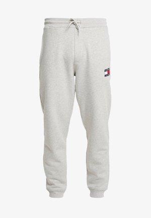 BADGE PANT - Verryttelyhousut - grey