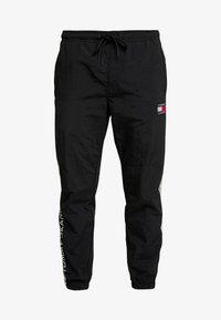 Tommy Jeans - TJM METALLIC BLOCK PANT - Teplákové kalhoty - black - 4