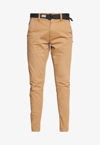 Tommy Jeans - TAPERED BELTED PANT - Chino - classic khaki - 4