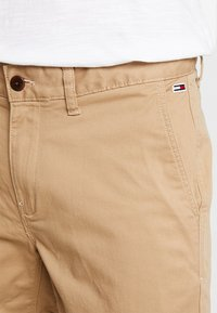 Tommy Jeans - ESSENTIAL - Shorts - brown - 3