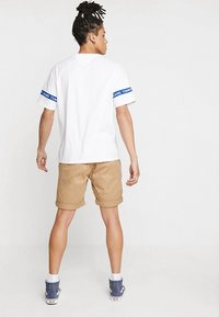 Tommy Jeans - ESSENTIAL - Shorts - brown - 2