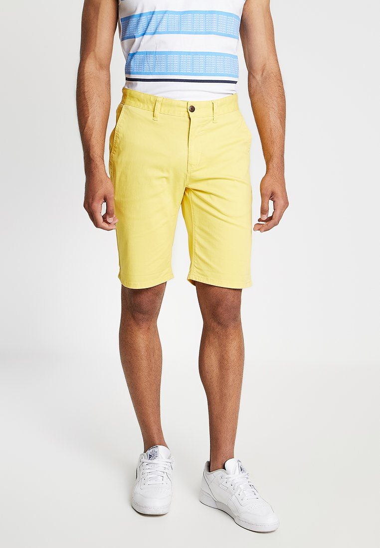 Tommy Jeans - ESSENTIAL - Shorts - yellow