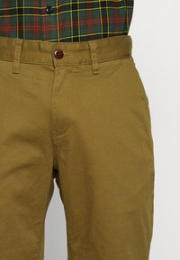 Tommy Jeans - ESSENTIAL - Shorts - uniform olive - 4
