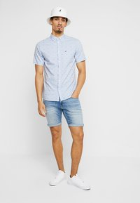 Tommy Jeans - SCANTON - Jeans Shorts - denim - 1