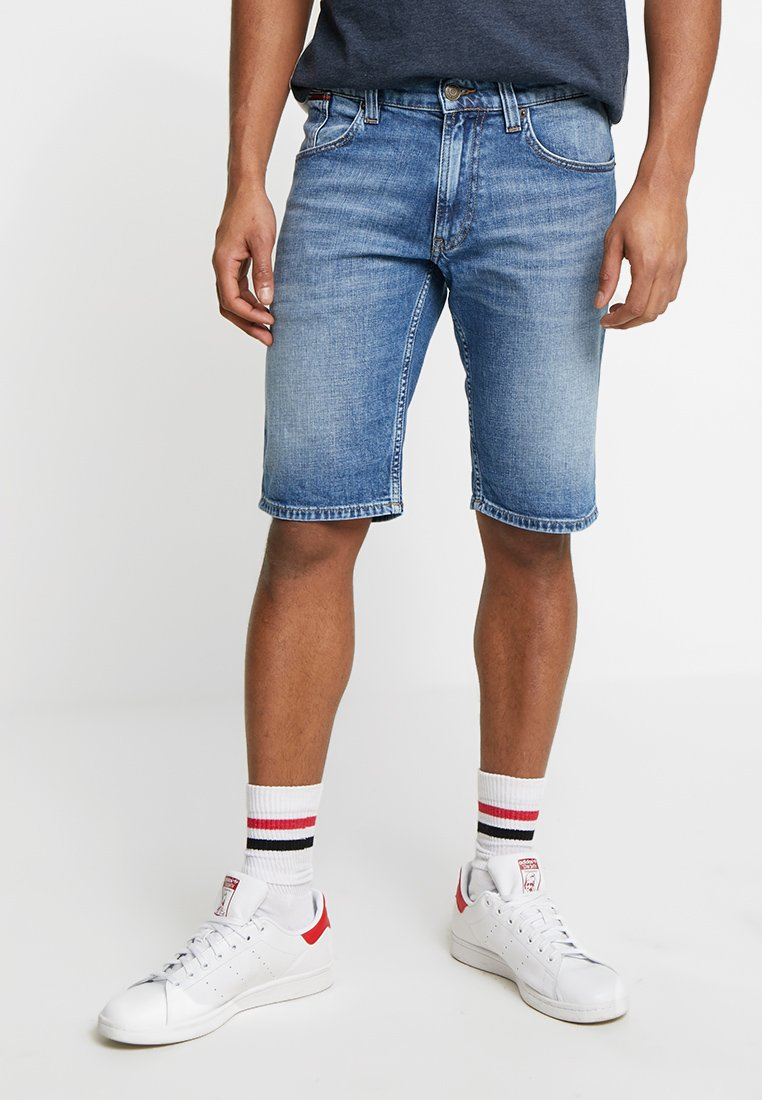 Tommy Jeans - RONNIE  - Jeans Shorts - blue denim