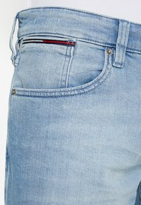 Tommy Jeans - RONNIE BELB - Jeans Shorts - denim - 3