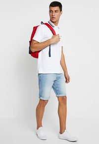 Tommy Jeans - RONNIE BELB - Jeans Shorts - denim - 1