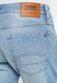 Tommy Jeans - RONNIE BELB - Jeans Shorts - denim - 5
