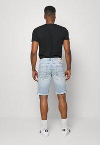 Tommy Jeans - RONNIERELAXED - Denim shorts - light-blue denim - 2