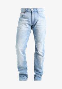 Tommy Jeans - ORIGINAL STRAIGHT RYAN BELB - Jean droit - berry light blue - 6